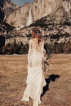 Intimate Bohemian Wedding Inspiration in Yosemite Valley from Randi Kreckman Photography Boho Wedding Dress Bohemian, Bohemian Weddings, Affordable Wedding Photography, Yosemite Wedding, Bohemian Wedding Inspiration, Alternative Wedding Dresses, Boho Wedding Decorations, Intimate Weddings, Destination Weddings