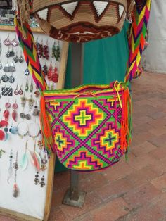 Buy your beautiful, unique Wayuu mochila bag now from Etsy! Find your perfect Summer bag :)