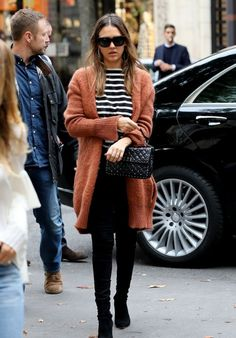 Jessica Alba Casual Style - Shopping in New York City 10/1/2016