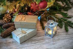 Wir wünschen euch schöne #Weihnachtsfeiertage und einen guten #Rutsch ins neue Jahr! 🥳 Genießt die #Feiertage und bleibt gesund! Was verschenkt ihr zu Weihnachten? Wie wäre es mit einzigartigen Werbetaschen? #Weihnachten #Feiertage #genießen #FestderLiebe #glücksmomente Merry Christmas Images, A Christmas Story, First Christmas, Christmas Eve, Christmas Gift Guide, Christmas Gifts, Christmas Things, Xmas Greetings, Visa Gift Card