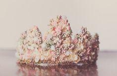 Flower Crown - Wire Crown - Fairy Crown - Flowergirl hairpiece - Summer Wedding - Newborn Photo Prop - Wedding Crown - Floral Hairpiece by LittleLadyAccessory on Etsy Flower Crown Bride, Bride Flowers, Flower Crowns, Flower Tiara, Flower Hats, Wire Crown, Dress Up Day, Flower Girl Hairstyles, Little Girl Birthday
