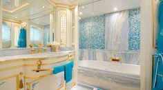 Eclectic Blue Bathrooms That Will Fascinate You -