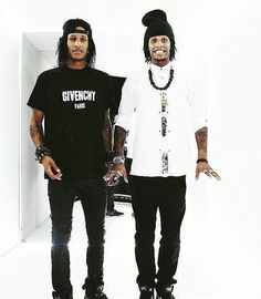 Les Twins even when Larry isn't trying his smile is still too cute