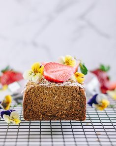 We love getting allergy-friendly inspo from websites like earthingsasha. i love that her stuff is vegan and high in protein - it looks great, too! This earl Grey Breakfast Bread is stunning. Gluten Free Quick Bread, Earl Grey Tea, Gluten Free Breakfasts, Food Print, Protein, Vegan, Print Recipe, Cake, Super Clean