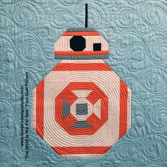 Spoiler alert: This post is about the new Star Wars movie. If you haven't seen it yet, you might want to move along… this is not the post you're looking for! I love a good action … Cute Quilts, Boy Quilts, Mini Quilts, Quilting Projects, Quilting Designs, Sewing Projects, Quilting Ideas, Quilt Design, Sewing Tutorials