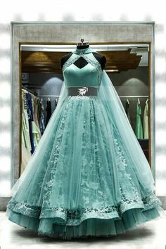 Party Wear Indian Dresses, Indian Wedding Gowns, Designer Party Wear Dresses, Indian Gowns Dresses, Indian Bridal Outfits, Indian Fashion Dresses, Dress Indian Style, Indian Designer Outfits, Girls Fashion Clothes