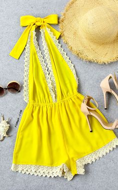 Yellow summer outfit your good mood in this romper! We think you've hit the mark with this one piece! Bright and cute yellow seem to set the mood and spirit Look Fashion, Fashion Outfits, Womens Fashion, Spring Summer Fashion, Spring Outfits, Essentiels Mode, Casual Outfits, Cute Outfits, Kaftan