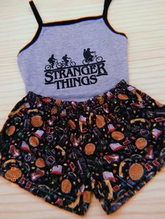 Stranger Things inspired Tank Top and Shorts Outfit for women Cute Lazy Outfits, Teenage Outfits, Teen Fashion Outfits, Trendy Outfits, Girl Outfits, Cute Pjs, Cute Pajamas, Jugend Mode Outfits, Cute Sleepwear