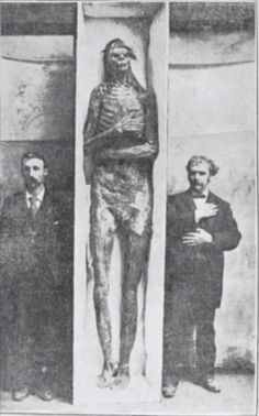 The Ancient Giants of Nevada and the Mystery of Lovelock Cave - Alien UFO Sightings Paranormal, Ancient Aliens, Ancient History, Ancient Egypt, Ufo, Giant Skeletons Found, Mystery Of History, Ancient Mysteries, Unexplained Mysteries