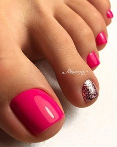 48 Adorable Easy Toe Nail Designs You Will Love Toller Nagellack mit rosa Zehen Gel Toe Nails, Pink Toe Nails, Simple Toe Nails, Painted Toe Nails, Pretty Toe Nails, Toe Nail Color, Cute Toe Nails, Summer Toe Nails, Feet Nails