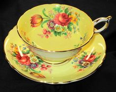 PARAGON DUAL TONE PINK RED ROSE TULIP  YELLOW GOLD TEA CUP AND SAUCER  #ParagonEnglandRoyal
