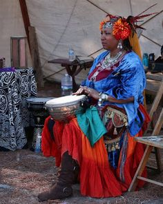 Benefits Of Drum Circles. What is the purpose of a drum circle? What is a Drum Circle? What is a community drum circle? Healing Power of the Drum Circle. Ocean Drum, Belly Dance Lessons, Rhythmic Pattern, Hand Drum, Dresses For Less, Bohemian Lifestyle, Renaissance Fair, Asian Style, Larp