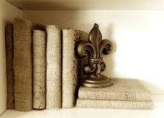 Burlap-books.jpg (710×510)