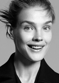Returning for her second season as the face of Theory, Natalia Vodianova appears in the brand's fall-winter 2015 campaign photographed by David Sims. David Sims, Natalia Vodianova, Russian Models, All Smiles, Fall Winter 2015, Fashion Pictures, Supermodels, Fashion Photography, Editorial