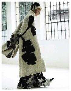 Soft Skills - Quinta Witzel by Jacob Sadrak & Carol Cruz - Christian Wijnants Knitwear Fashion, Knit Fashion, Knitted Cape, Knitting Designs, Mode Style, Coats For Women, Knit Crochet, Textiles, How To Wear
