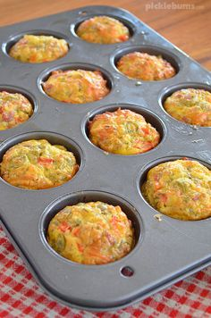 Mini Pizza Quiche - crustless quiche that is great in the lunch box, for dinner, or even breakfast! Crustless Pizza, Baking With Kids, Lunch Recipes, Family Meals, Meal Planning, Quiches, Easy Meals, Favorite Recipes, Snacks
