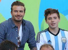 David Beckham and Son Brooklyn, Involved in Car Accident Brooklyn Joseph Beckham, David Beckham Family, Harper Beckham, Soccer Stars, Celebrity Moms, Tumblr Boys, Cute Guys, Victoria Beckham, Sexy Men