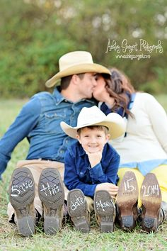 Country Engagement Photos Engagement, save the date Family Engagement Pictures, Engagement Couple, Engagement Shoots, Engagement Photography, Wedding Engagement, Travel Photography, Hunting Engagement, Wedding Photography, Photography Poses