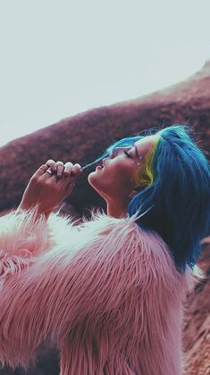 Find images and videos about pink, blue and halsey on We Heart It - the app to get lost in what you love. Halsey, Hopeless Fountain Kingdom, Girl Crushes, Ariana Grande, Actors & Actresses, Music Bands, Beautiful People, Amazing People, Celebs