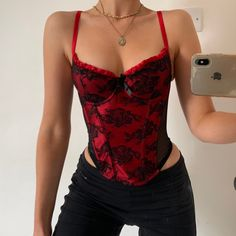 Red And Black Corset, Red And Black Outfits, Red Corset Top, Corset Tops, Aesthetic Fashion, Look Fashion, Aesthetic Clothes, 90s Aesthetic, Trendy Outfits