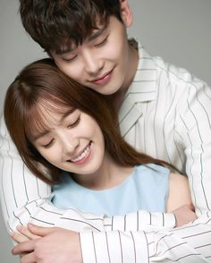 Lee Jong Suk and Han Hyo Joo get intimate in the cutest couple photos for their upcoming drama Jung Suk, Lee Jung, W Two Worlds Wallpaper, W Korean Drama, W Kdrama, Kang Chul, Moorim School, Mbc Drama, Between Two Worlds