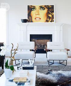 Living room design: Graphic elegance {PHOTO: Ashley Capp}