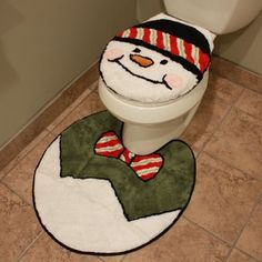 $14.99 Snowman Toilet Décor Set w/ Lid Cover & Rug  From Avon   Get it here: http://astore.amazon.com/ffiilliipp-20/detail/B006534QMO/177-7043051-7497742