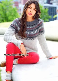 Кашемировый пуловер с круглой жаккардовой кокеткой. Спицы
