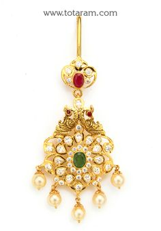 22 Karat Gold In Peacock Maang Tikka with Cz , Ruby, Emerald, Emerald Bead & Japanese Culture Pearls - Papidi Billa (Temple Jewellery) This item can Jewelry Design Earrings, Gold Earrings Designs, Gold Jewellery Design, Necklace Designs, Beaded Jewelry, Tikka Jewelry, Indian Jewelry Sets, Temple Jewellery, India Jewelry