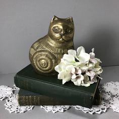 Vintage Brass Cat, Sitting Brass Cat, Detailed Brass Cat, Brass Kitten by littlewoodenhouse on Etsy