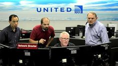 Workers at the operations center for United Airlines in Willis Tower. (Chris Walker/Chicago Tribune)