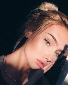 Điều gì đã khiến cả chục ngàn người theo dõi cô nàng 14 tuổi này trên Instagram? - Ảnh 1.