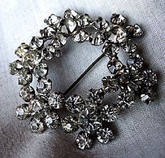 Rare Vintage Garne Jewelry Brooch - Sparkling Crystal Rhinestone Brooch - Beautiful Costume Jewelry