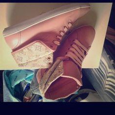 Louis vuitton sneackers Louis vuitton pink sneackers Louis Vuitton Shoes Sneakers
