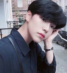 ▪ ulzzang boys and girls. Korean Boys Ulzzang, Cute Korean Boys, Ulzzang Couple, Ulzzang Boy, Korean Men, Cute Asian Guys, Asian Boys, Cute Guys, Jung So Min