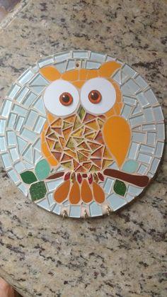 Cd Mosaic, Mosaic Garden Art, Mosaic Glass, Butterfly Mosaic, Mosaic Birds, Mosaic Art Projects, Mosaic Crafts, Owl Room Decor, Mosaic Stepping Stones