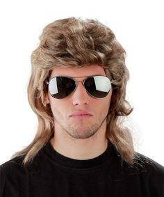 <p>Set bestehend aus einer grau-blonden Prollperücke im 'Vokuhila'-Stil'<br><b>mit dazu passender, verspiegelter Pilotenbrille.</b><br><br>Per&uumlckenl&aumlnge: ca. 50cm<br><br>Lieferumfang: 1 Perücke + 1 Pilotenbrille</p> <p>Material: 100% Polyester</p>