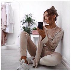 VELVET VIBIN' @lissyroddyy is a dream in our Serena Champagne Velvet Tracksuit £25, shop from link in bio