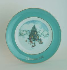 avon 1978 porcelain christmas plate trimming the tree gold trimmed