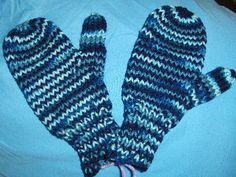 Bev's Orphan Mittens (child 8-12 years old)
