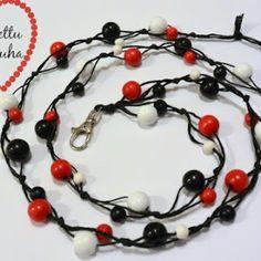 Helmillä koristellut heijastimet. Diy Jewelry, Jewelry Making, Jewellery, Google, Helmet, Projects To Try, Diy Crafts, Pearls, Christmas Ornaments