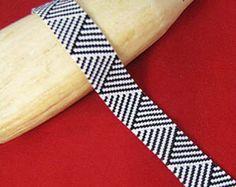 Dizziness by Beadbrickie AKA Mareta Pascoe Peyote Beading, Beaded Bracelet Patterns, Jewelry Patterns, Beaded Bracelets, Peyote Stitch Patterns, Seed Bead Patterns, Beading Patterns, Zulu, Bead Weaving