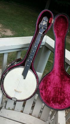 in Musical Instruments & Gear, Vintage Musical Instruments, Vintage String