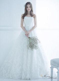 Hyoyeon Fanedit by hyohunniest Luxury Wedding Dress, Wedding Dress Styles, Dream Wedding Dresses, Bridal Dresses, Wedding Gowns, Muslimah Wedding Dress, Ethereal Wedding, Queen Dress, Most Beautiful Dresses