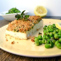 This Parmesan Pesto Halibut is perfect for a homemade #healthy meal!