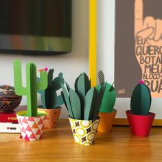 If you miss the summer, or the beautiful holiday in the warm countries, then you can tinker paper cactus with your children. Paper Cactus, Paper Plants, Cactus Cactus, Diy And Crafts, Crafts For Kids, Arts And Crafts, Art Carton, Diy Paper, Paper Art