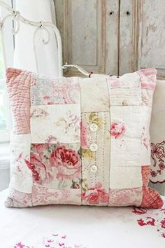 <3 Shabby chic patchwork cushion