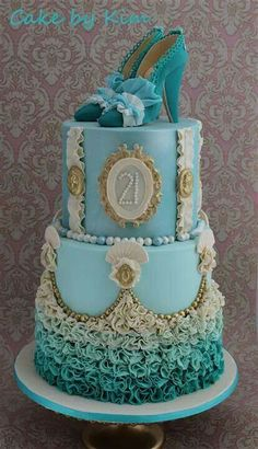 Marie Antoinette inspired Cake Check out the website to see Unique Cakes, Elegant Cakes, Creative Cakes, Gorgeous Cakes, Pretty Cakes, Amazing Cakes, Fondant Cakes, Cupcake Cakes, Shoe Cakes