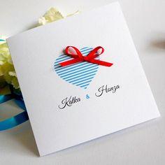 Svatební+oznámení+Čtvercové+svatební+oznámení+v+námořnických+barvách. +Rozměry:+12+x+12+cm.+Barevná+kombinace:+bílo-modro-červená.+Písmo+i+text+je+ilustrativní,+na+úpravách+se+dohodneme+vnitřní+poštou.+Změna+barvy+je+možná.+Obálka+je+v+ceně.+