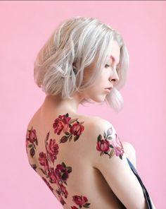 Sasha Unisex flower tatoo https://www.tattooyou.com/temporary-tattoos/sasha-unisex/